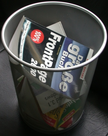 Pail with old computerbooks
